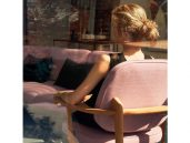 Fritz hansen fred fauteuil roze achterzijde