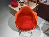 Vitra eames plastic armchair poppy rood 3